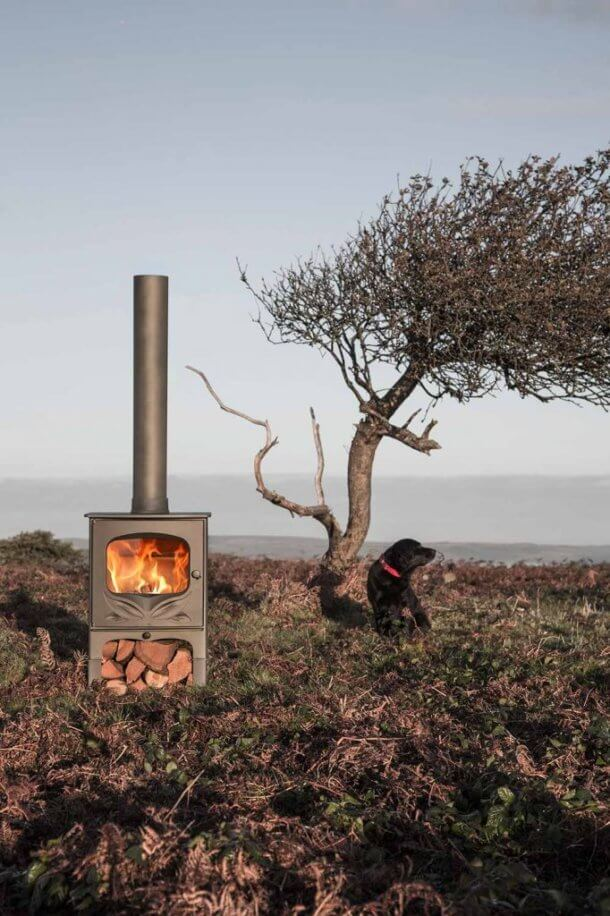 Charnwood-Bembridge-Woodburning-Stove-outdoor-682x1024-610x916.jpg