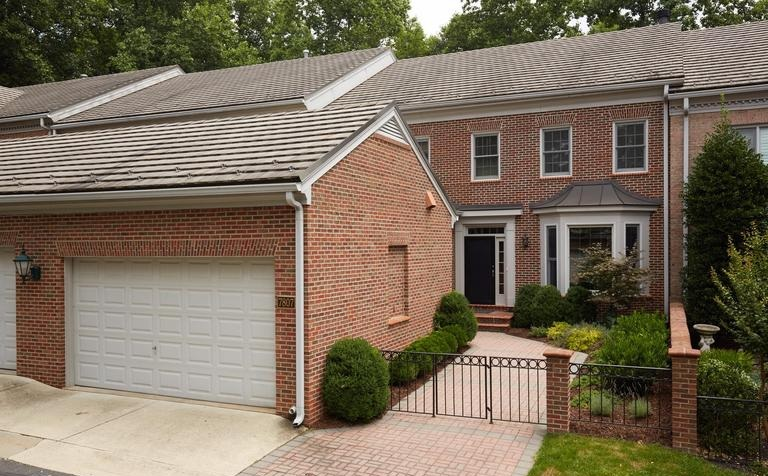 7807 Gate Post Way   Potomac, MD 20854  $1,150,000 4 Beds / 3.5 Baths