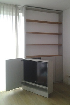 interieurbouw: tv kast - tv uitgedraaid