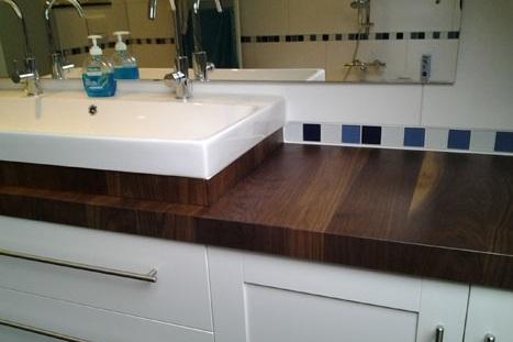 badkamermeubel notenhouten blad