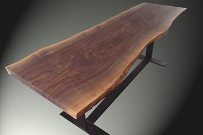 Meubels op maat: Tafel notenhouten boomstam tafelblad