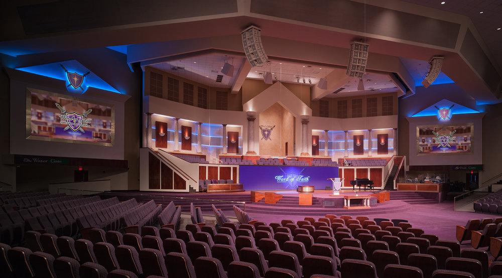 World of Faith, finished sanctuary photograph, seats 7,500, Atlanta