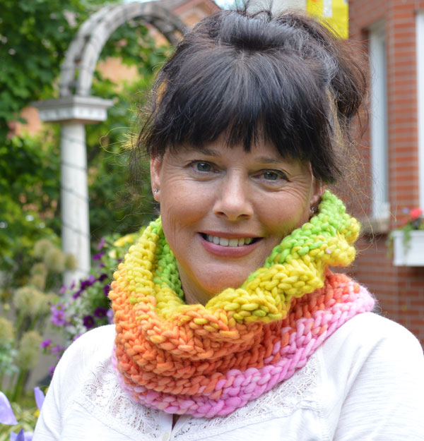 freia-cowl-on-Lisa-try-2