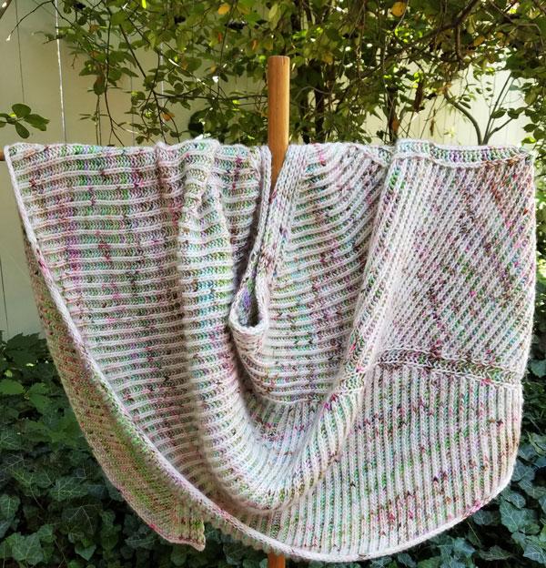 Askews-me-brioche-shawl-RTP