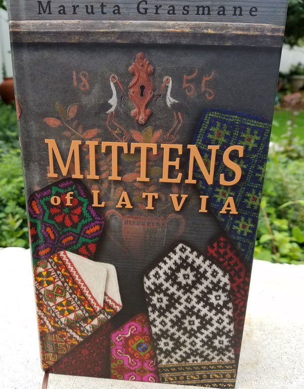 Mittens-of-Latvia-book