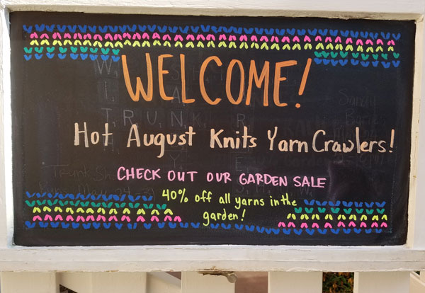 Yarn-Crawl-gate-sign-RTP