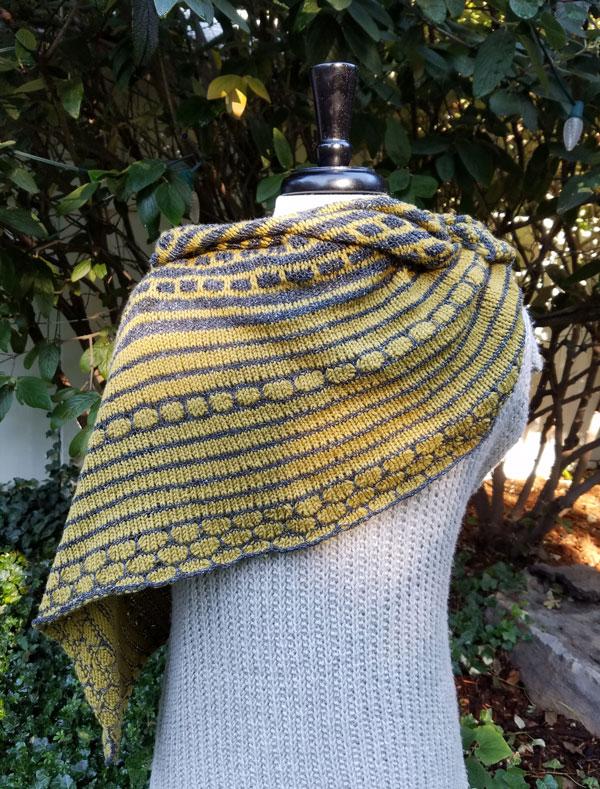 Hoku-shawl-back-RTP