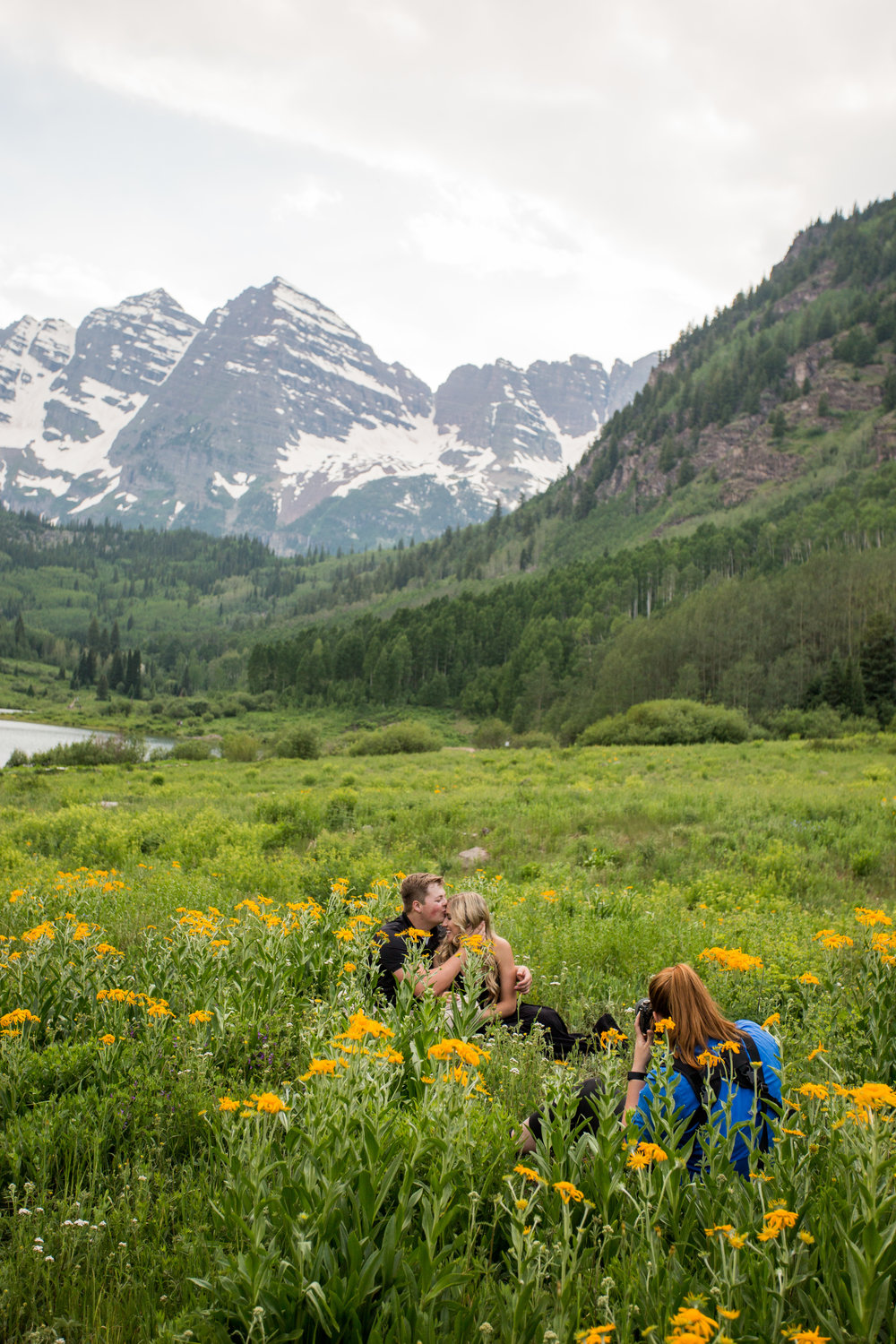 Lisa_photographing_Maroon_Bells