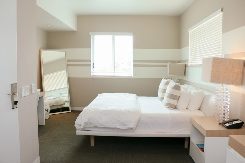 Deluxe City View, King - Room with a king size bed by Nature Sleep, 32