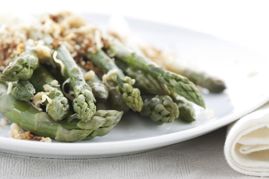 Parmeasan Crusted Asparagus Venturi Schulze.jpg