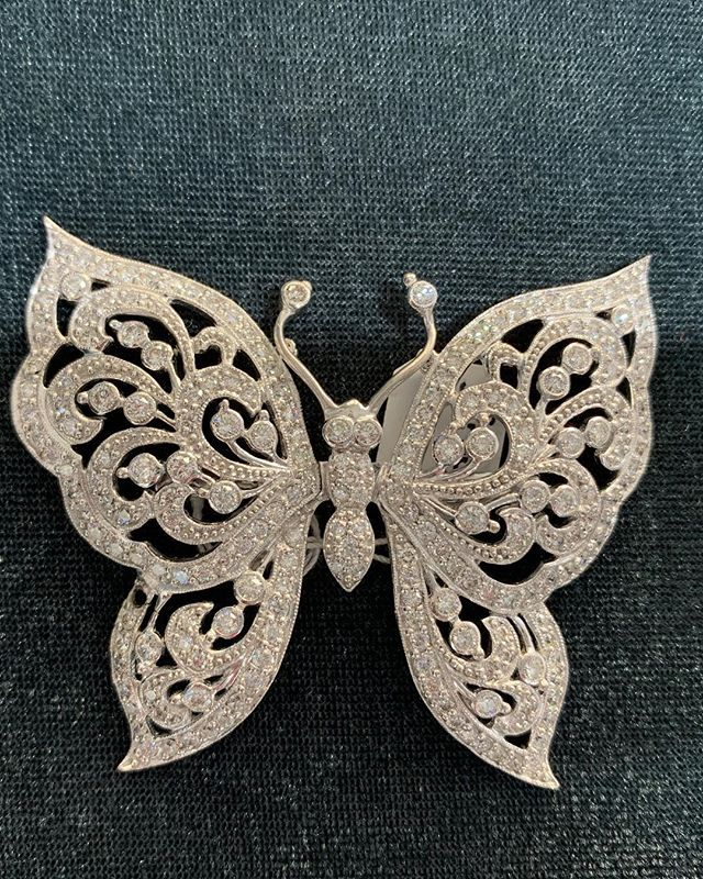 Butterflies are a symbol for new beginnings. This spectacular butterfly broach will be hard to let go, but we know it will make someone VERY happy! Seriously inquiries only! #broach #diamonds #gold #jewelry #sparkle #gift #newyear #butterfly #vintage #antique #unique #oneofakind