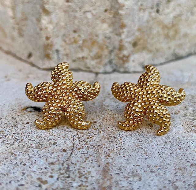 Adorable 14k gold starfish earrings! Dm for more information and pricing