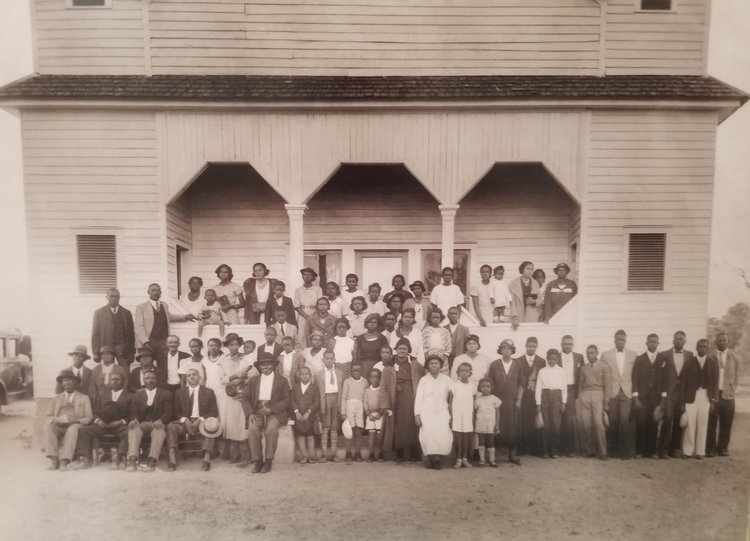 "The original congregation/student body of Jordan Stream Baptist church and first school for ""colored"" children in the early 1030's."