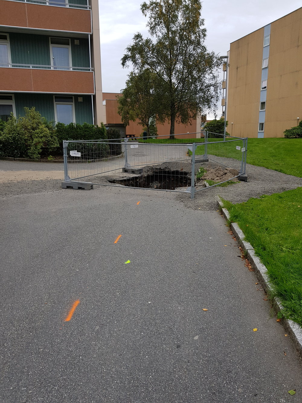 Aha! A hole!