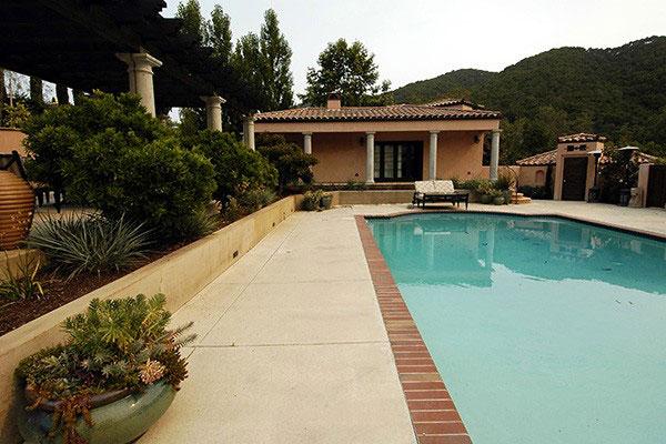 avila_pool-landscape2.jpg