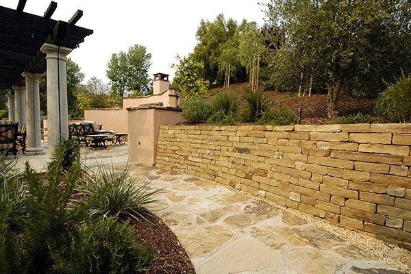 avila_stone-retaining-wall.jpg