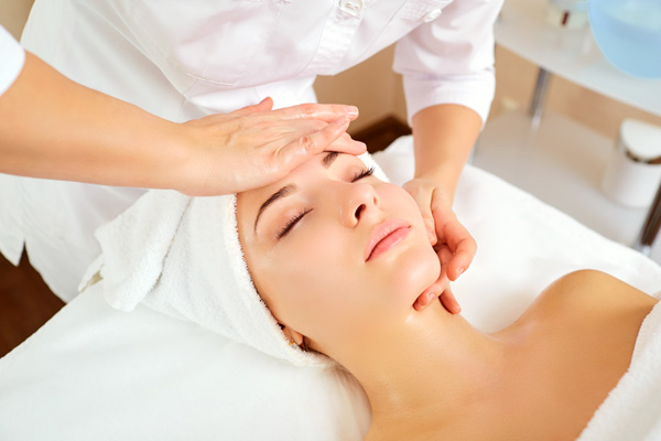 FNTC_SHBBFAS002-Provide Facial Treatments and Skin Care Recommendations.jpg
