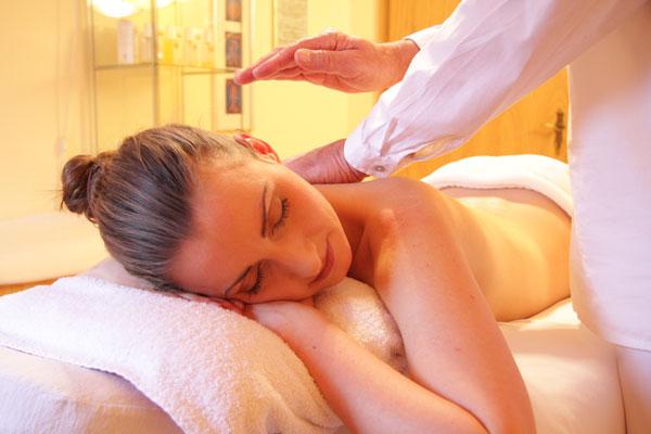FNTC_SHBBBOS002-Provide-body-massages.jpg