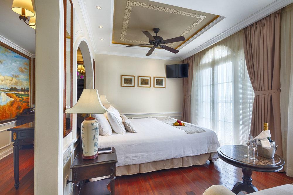 Mekong-Nav-Prestige-Suite-001_small.jpg