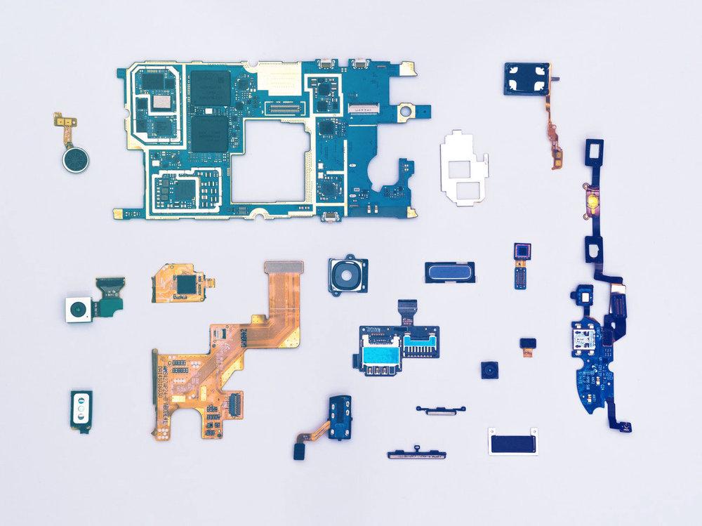 hardware_motherboard_pieces.jpg