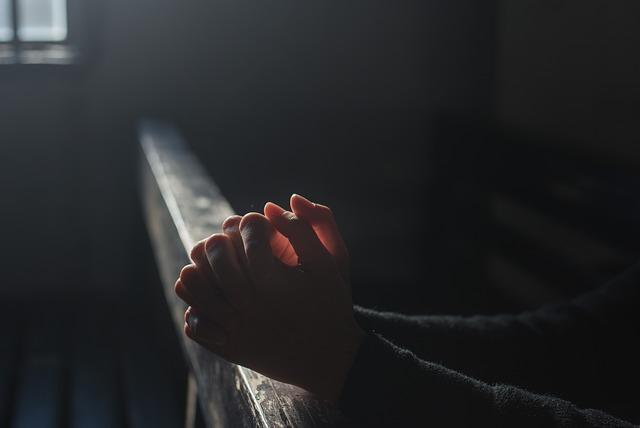 prayer-2544994_640.jpg
