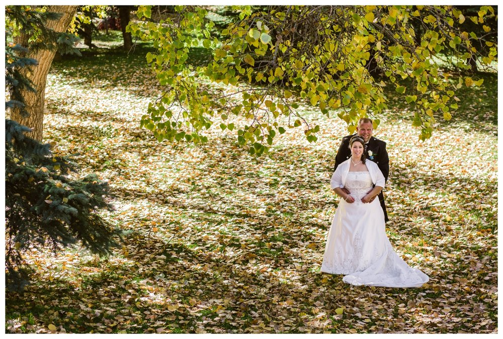 Fall bridal portraits in downtown Calgary Park