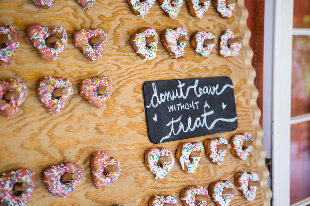 donut wall wedding details