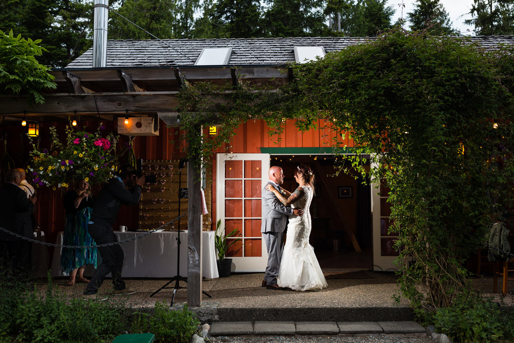 Tofino-Wedding-Photographer-1036.jpg