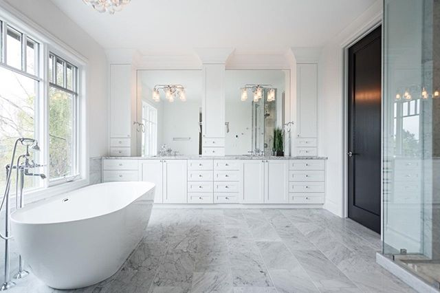 A bright, beautiful master ensuite. I love the natural light flooding into this space.  Builder: @dreamridge homes  #yycdesign #houzz #yycrealestate #yycinteriors #houseandhome #archdigest #hgtvcanada #amazingspaces #innercityliving #bathroom #yycdesign #designinspo #newhome #customhome #yycbuilder