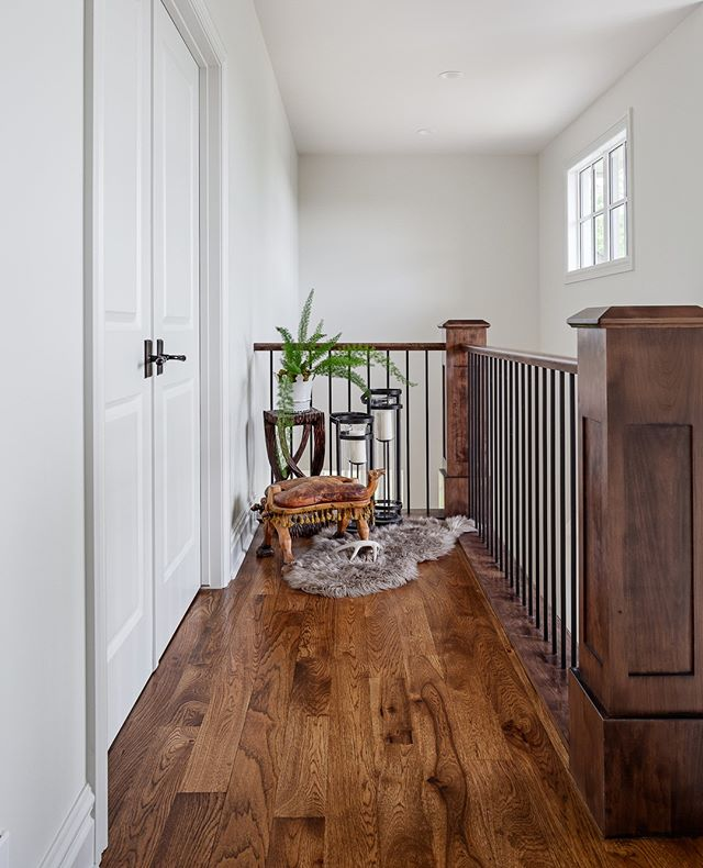 Sometimes hallways are the best spaces. #Silverhorncustom by @verandainterior . . . #interiordesign #yyc #yycliving #moderndesign #yycdesign #houzz #dreamhome #yycrealestate #yycinteriors #houseandhome #archdigest #hgtvcanada #amazingspaces