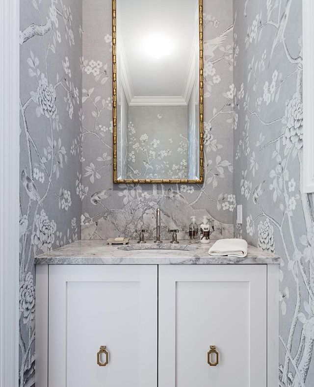 I've seen many beautifully designed powder rooms, but they are by far the hardest part of a home to capture in a photo.  This wallpaper from a recent shoot with @dreamridgehomes was so beautiful!  #interiordesign #yyc #yycliving #moderndesign #yycdesign #houzz #dreamhome #yycrealestate #yycinteriors #houseandhome #archdigest #hgtvcanada #amazingspaces #powderroom #wallpaper