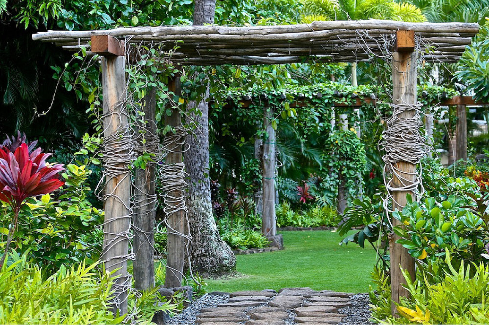 Retreat Experience - Come visit us in our lush tropical setting for some rest and renewal!