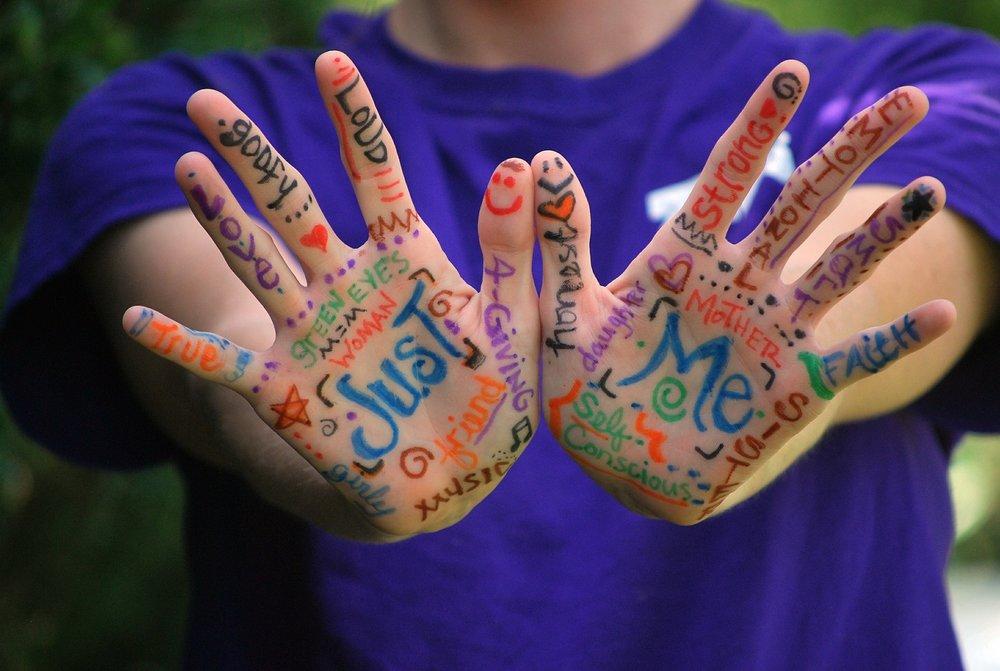 hands-423794_1920.jpg