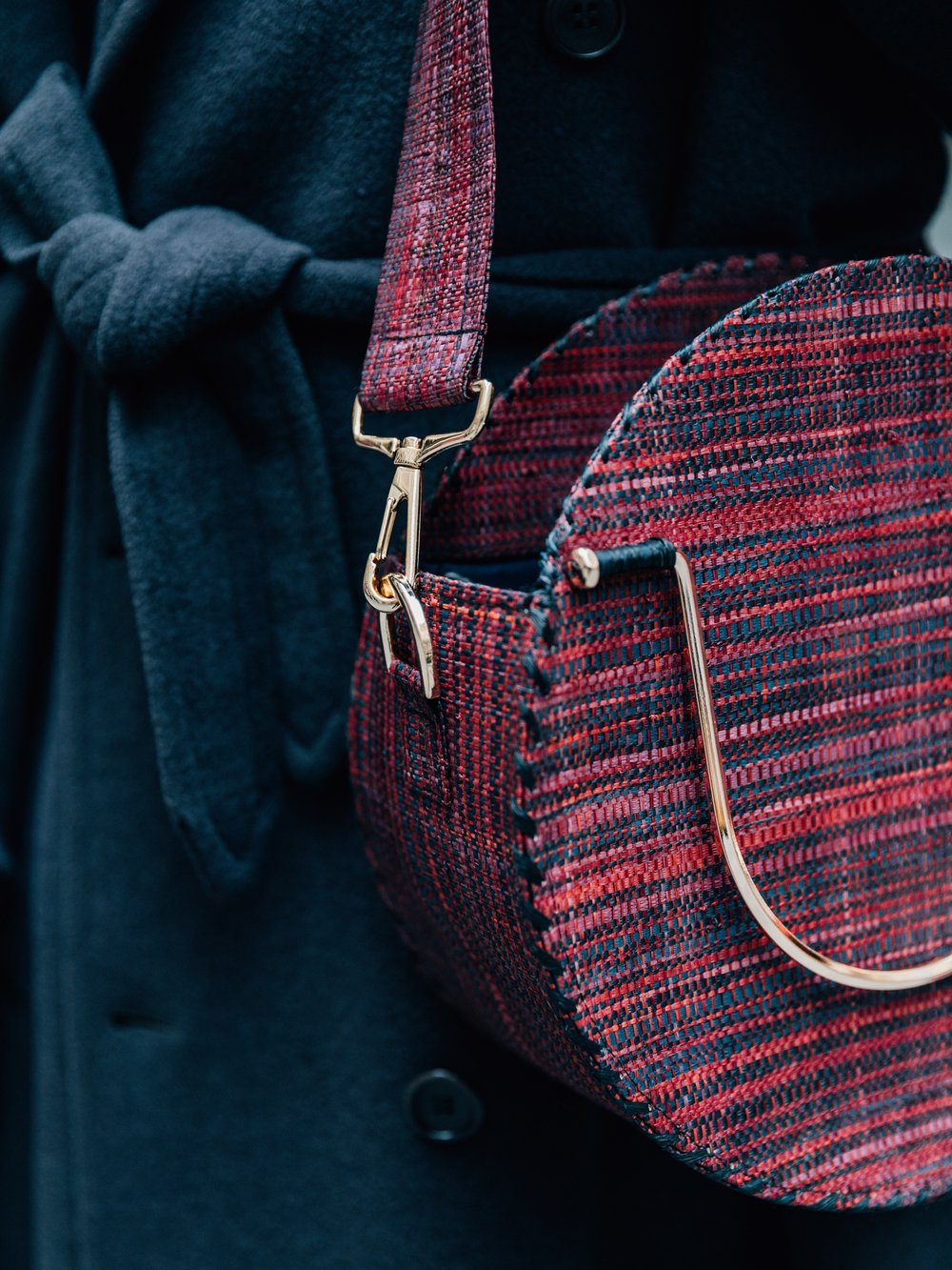 GOOD PEOPLE, France - Good People is a high-end brand of artisanal handbags. They use natural fibres such as agave and raffia to develop their own handwoven fabrics. Good People run their own transparent manufacturing centre and workshop in Madagascar, where women artisans inspire and shape the designs of timeless, authentic and sophisticated collections.