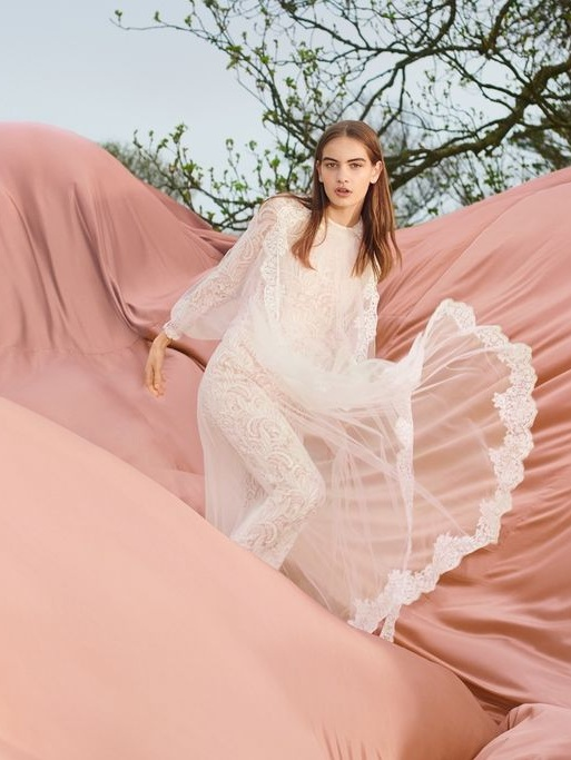 STELLA MCCARTNEY, UK - Founded in 2001, Stella McCartney's eponymous brand has been committed to operating a modern and responsible business with animal welfare at its core for nearly two decades. A signature style of sharp tailoring, natural confidence and sexy femininity is supported by supply chains that aim to minimise harm on the global eco-system.