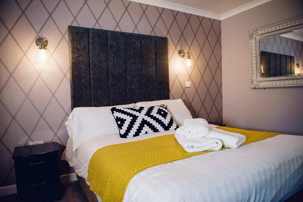 Superior King - Sleeps : 2 1 extra large double bed