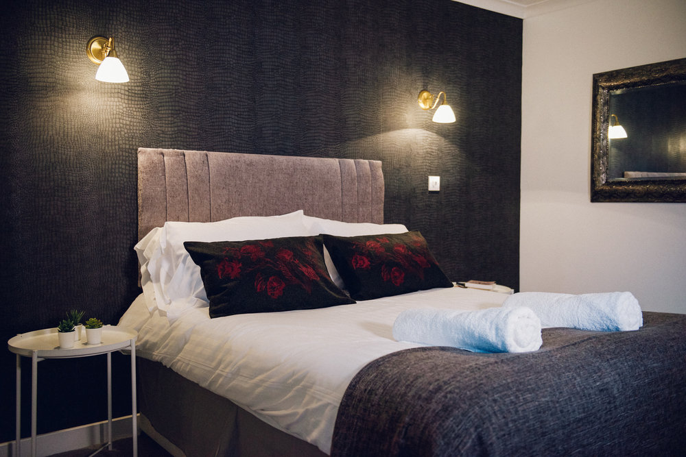 Double Room with Garden View - Sleeps : 2 1 extra large double bed