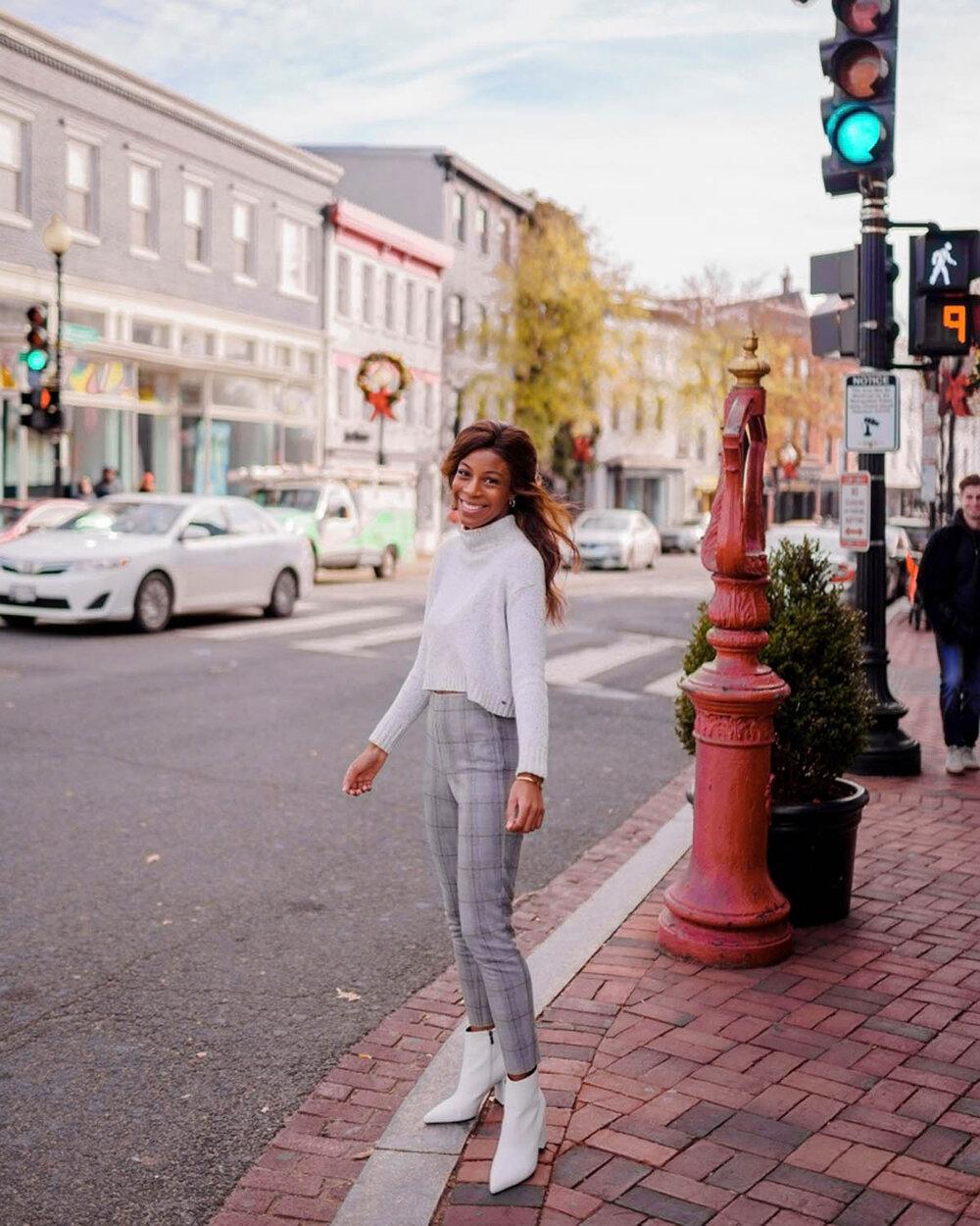 girl-walking-in-georgetown-dc.jpg