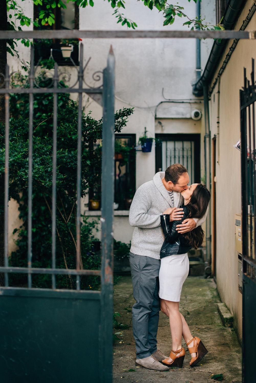 engagement shoot in Paris, France - Sara Monika, Photographer