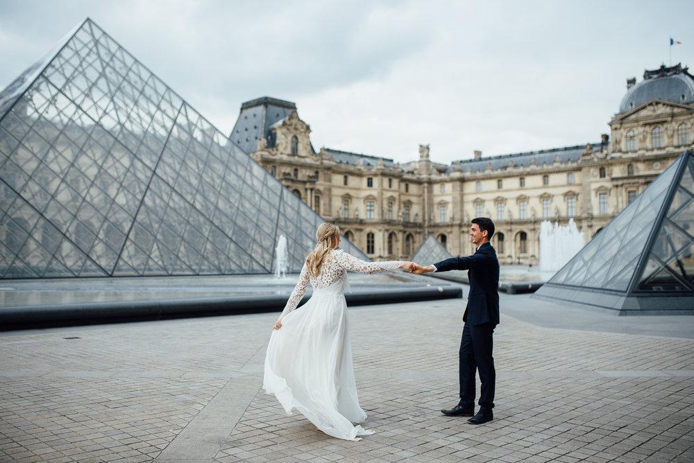 The Louvre Paris, France romantic adventurous elopement - Sara Monika, Photographer