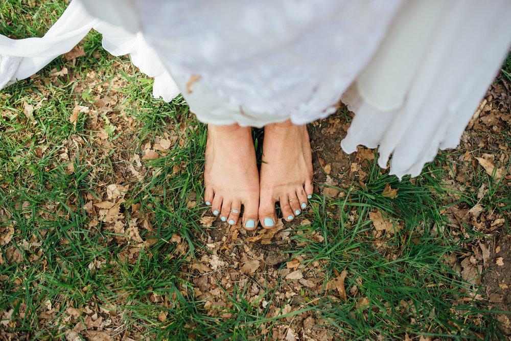 Fernwood Hills London Ontario Bohemian Wedding - free-spirited boho bride with flower crown - Grace Loves Lace wedding dress - barefoot bride