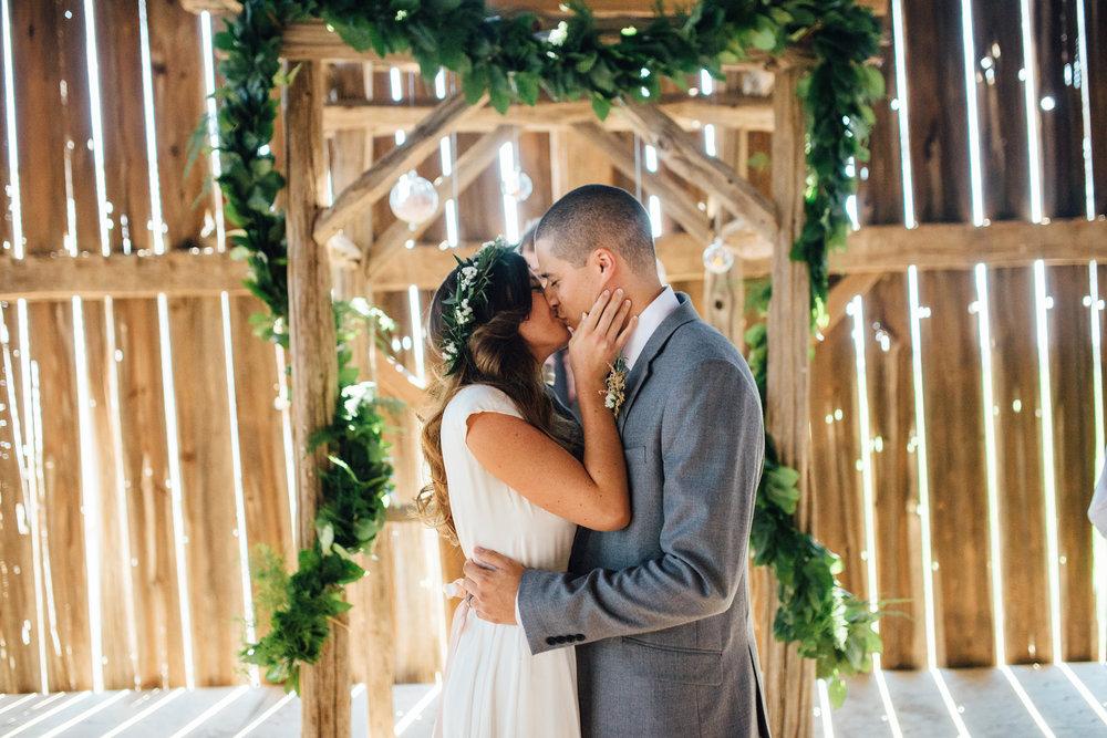 Downswell-Barn-Wedding-Photography-48.jpg