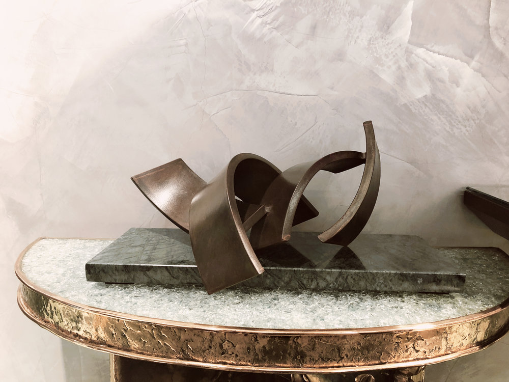 Acutan Piccolo - Bronze and marble15 x 40 x 15 cm