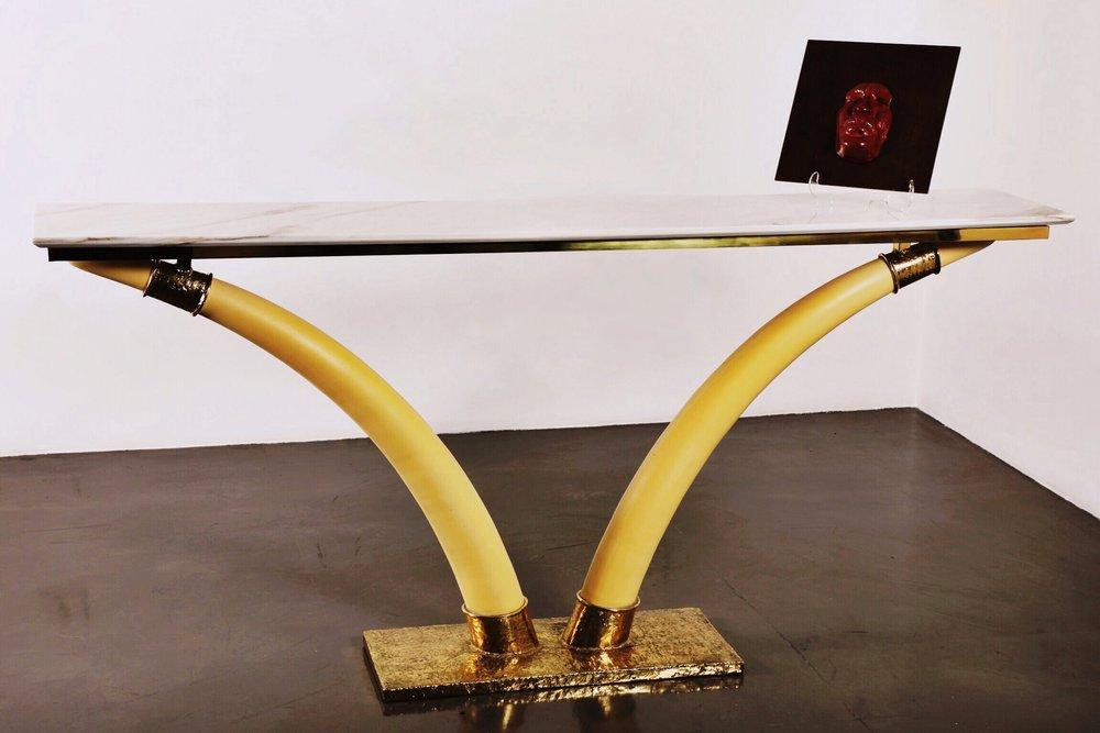 Console Et Defenses En Ivoire - 2012Ivory and bronze88 x 190 x 33 cm