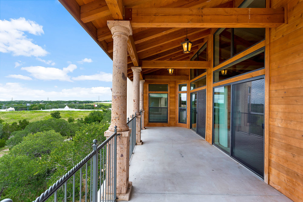 Muir Lake - Cedar Park, Texas (Outdoor Patio)