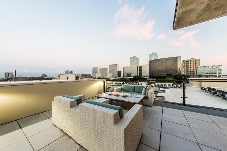 Marq 31 - Houston, Texas (Rooftop Patio)