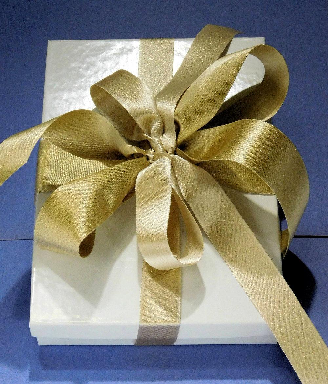 wrapped Gift Gold Ribbon bow DecoFun.jpg