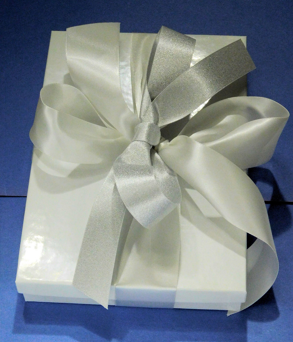 Gift Silver Ribbon bow DecoFun.jpg