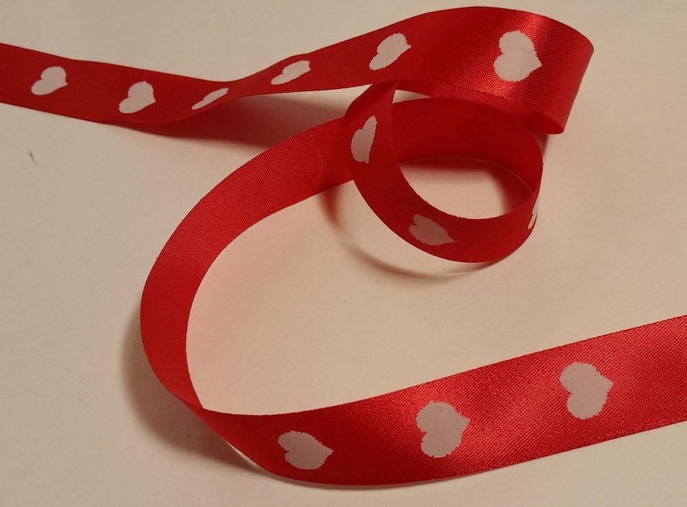 hearts ribbon 1 inch.jpg
