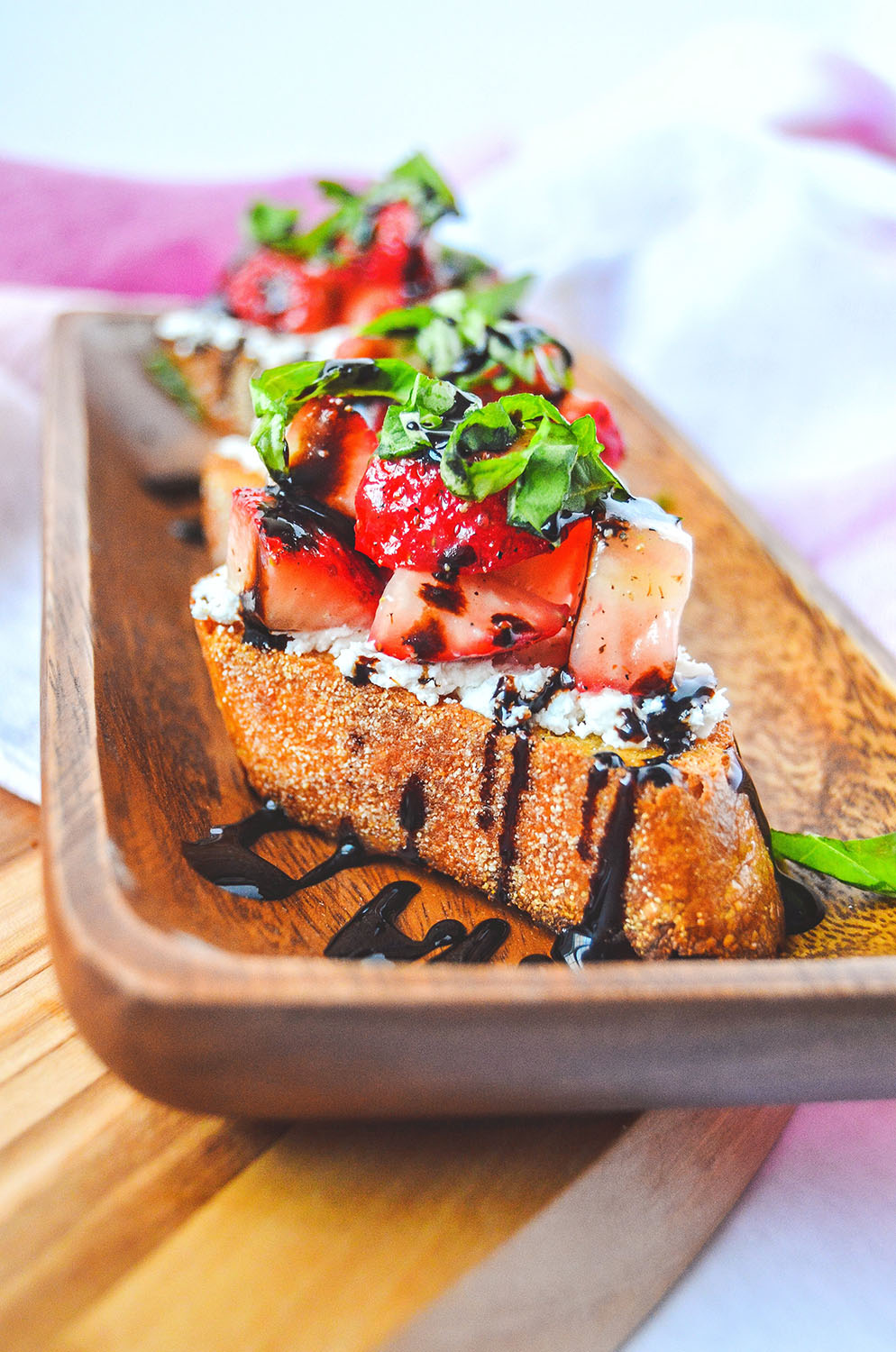 strawberry_crostini_01.jpg